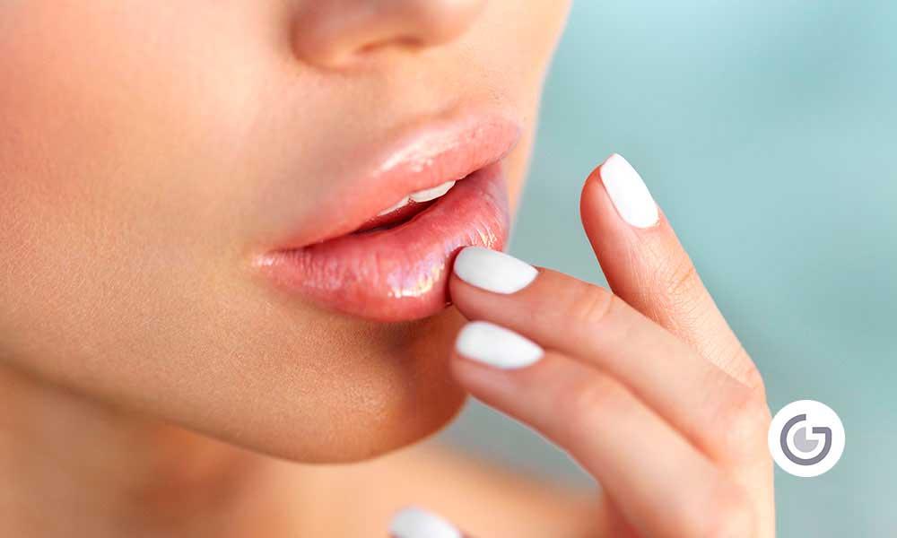 Consigue unos labios seductores con Ácido Hialurónico