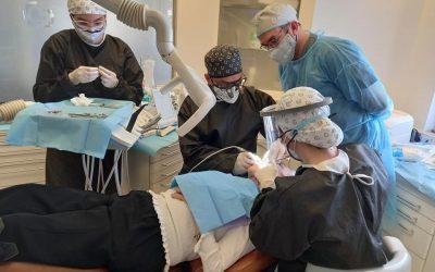 Cirugía dental guiada en Sevilla