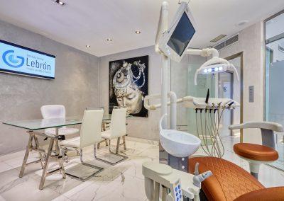 instituto dental Lebron Sevilla 21